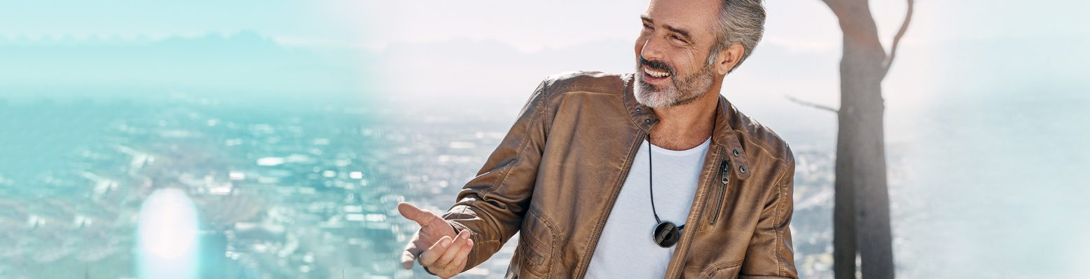 Are you looking for an accessory that could support you in your every day life with hearing aids? Then take a lok at easyTek on our website.