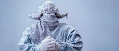 Зима — непростое время для тех, кто пользуется слуховыми аппаратами, особенно если