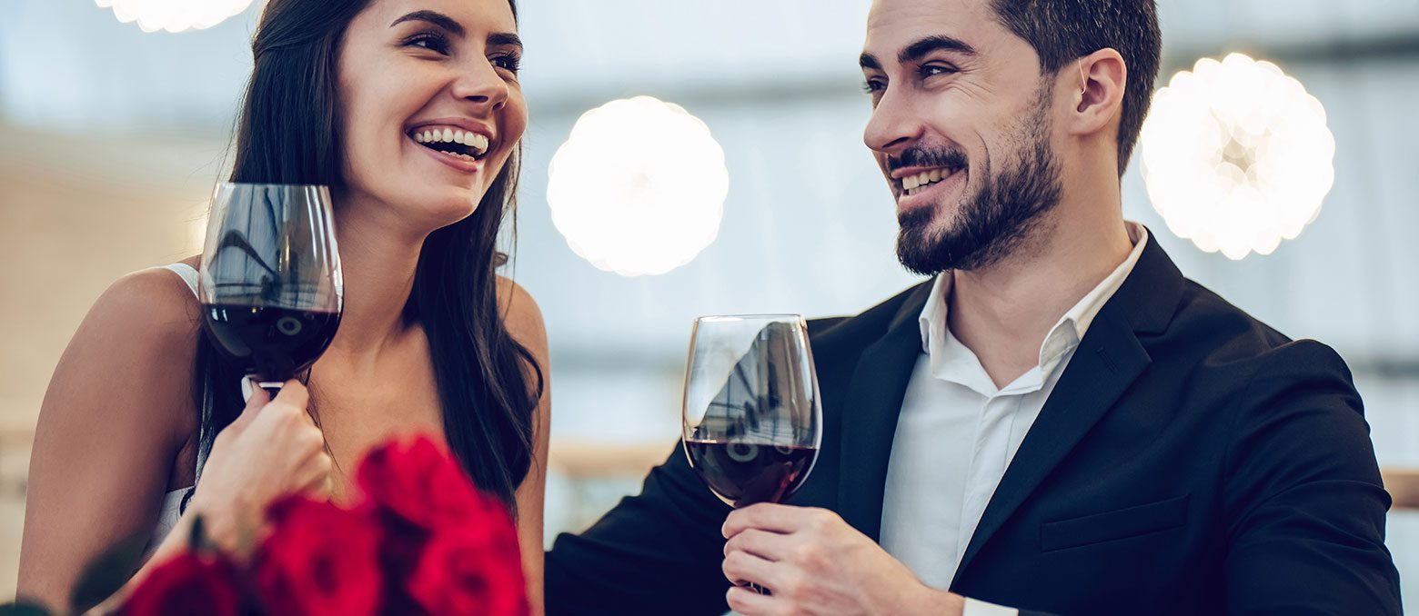 These tips can help you maintain confidence while dating with hearing aids, or give you insight on how to better understand your hard-of-hearing date.