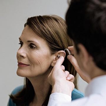 Hvor finder jeg brugervejledninger og bestillingsblanketter som hørespecialist ?